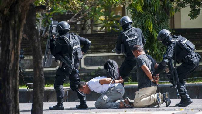 DPR Menjamin Orang Yang Memiliki Hubungan Grup Teroris Akan Dipidana