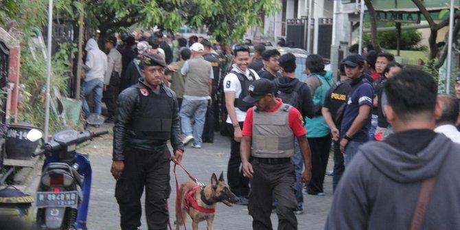 Diduga Teroris Warga Ini Ditangkap Karena Identitas Berbeda