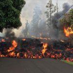 Penduduk Hawaii Membuat Aliran lava Setelah Gunung Api Kilauea Meletus