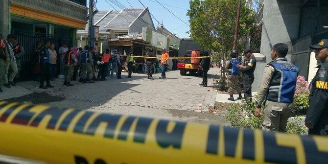 Polisi Amankan Bom Di Rumah Pengebom Surabaya