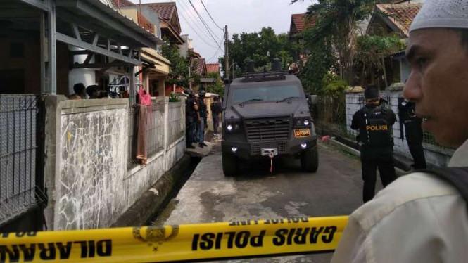 Polisi Terus Mengusut Jaringan Terduga Teroris Bom Surabaya