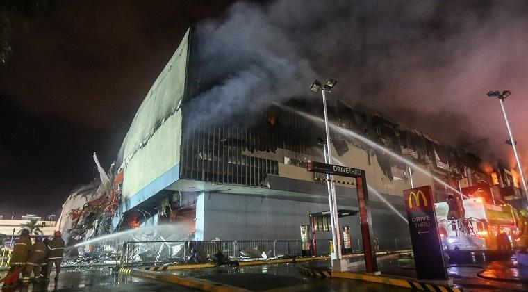 Mall Di Filipina Kebakaran ,37 Orang Tewas Terbakar