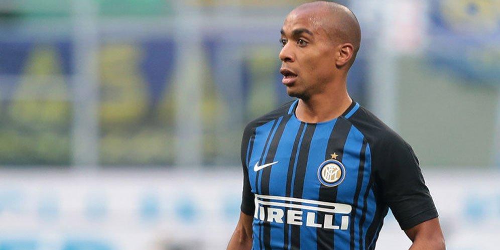 Gelandang Inter Milan Masih Ragu Gabung West Ham