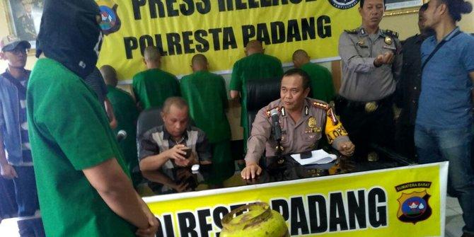 Pelaku Pengoplosan Gas Diringkus Di Padang