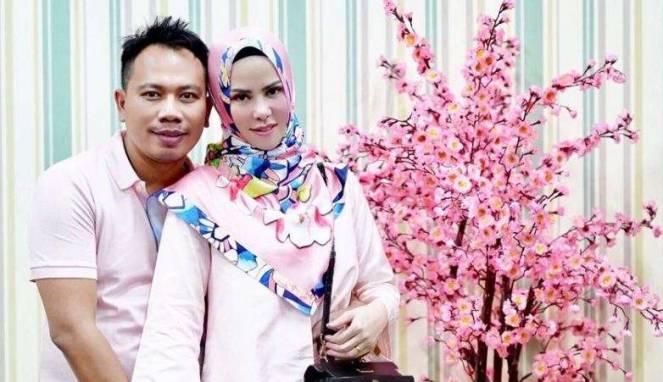 Pesta Pernikahan Angel Lelga Serta Vicky Prasetyo Habiskan Biaya Selangit