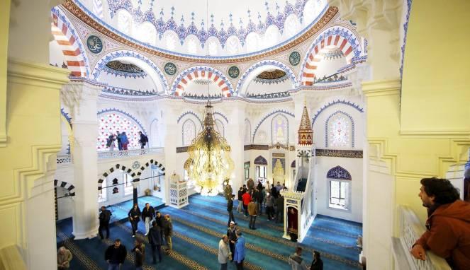 Politisi Jerman Yang Menolak Islam Kini Menjadi Mualaf
