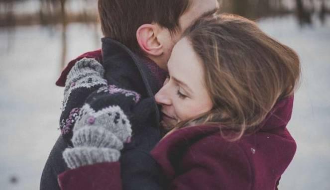 Tips Berikan Pelukan Berkualitas Untuk Orang Terkasih
