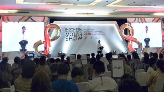 Jokowi Menghadiri Acara IIMS 2018