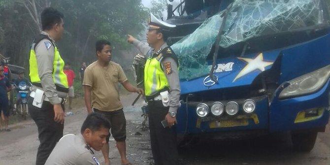Kecelakan Antara Truk Dan Bus Tewaskan 1 Penumpang