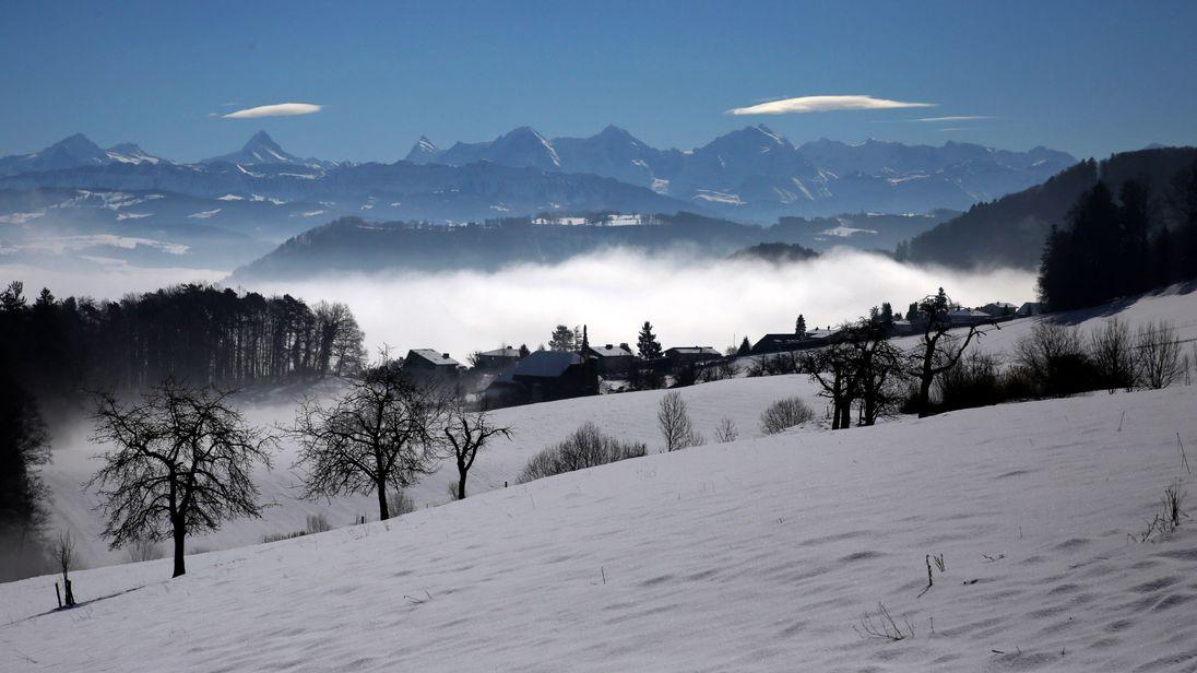 Pegunungan Alpen Swiss Ditemukan Empat Pemain Ski Meningal