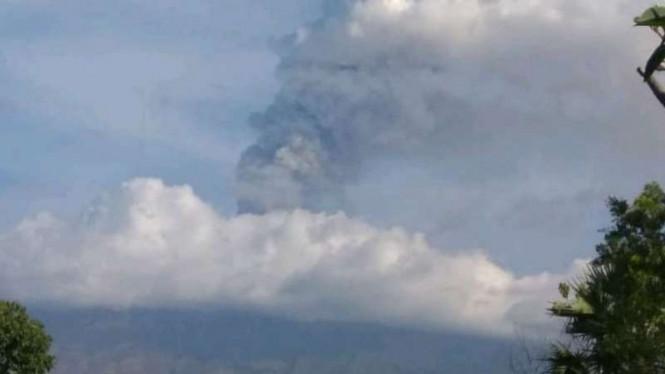Bandara Jember dan Banyuwangi Ditutup Sementara Lantaran Erupsi Gunung Agung