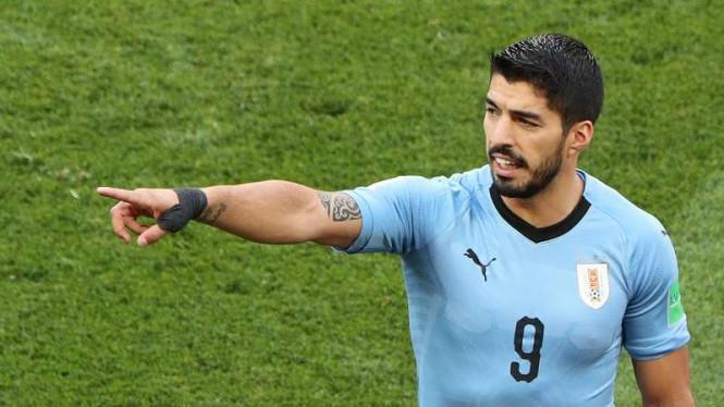 Bomber Uruguay Persembahkan Kemenangan Atas Rusia Untuk Suporter