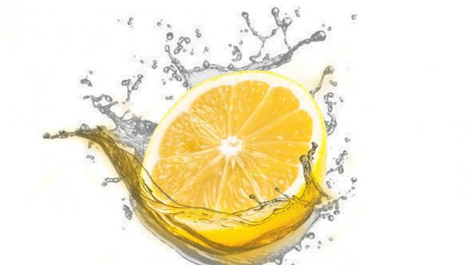 Cegah Resiko Batu Ginjal Dengan Rutin Minum Air Lemon