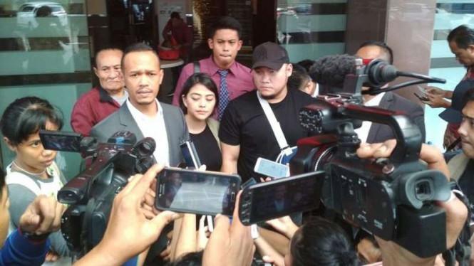Polisi Memeriksa Korban Dugaan Penganiayaan Anggota DPR
