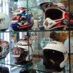 Begini Caranya Memilih Helm yang Benar