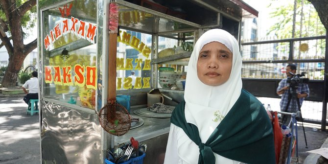 Penjual Mie Ayam Naik Haji Setelah Menabung 7 Tahun