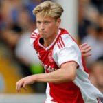 Barcelona Masih Coba Buru Gelandang Muda Ajax Amsterdam