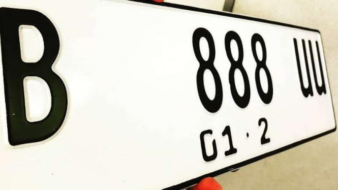 Perubahan Warna Plat Nomor Kendaraan Ditunda Lantaran Biaya