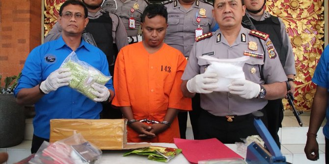 Simpan Ganja 1 Kilogram Seorang Pemuda Di Bali Diamankan Polisi