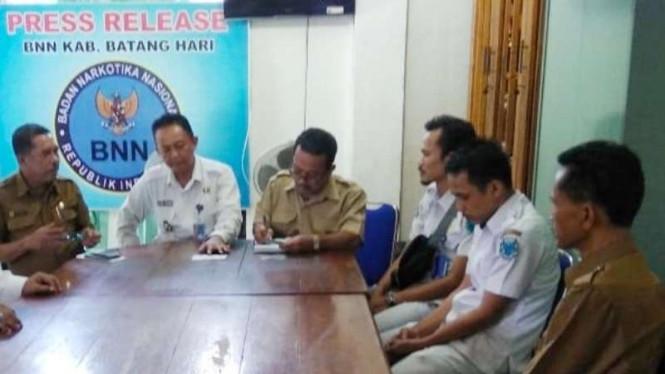 BNNK Batanghari Sidak Dan Beberapa Pegawai PNS Terjaring
