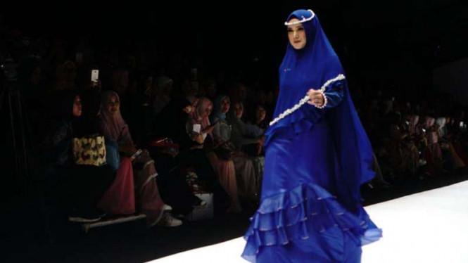Mulan Jameela Tampil Syari Di Jakarta Fashion Week 2019
