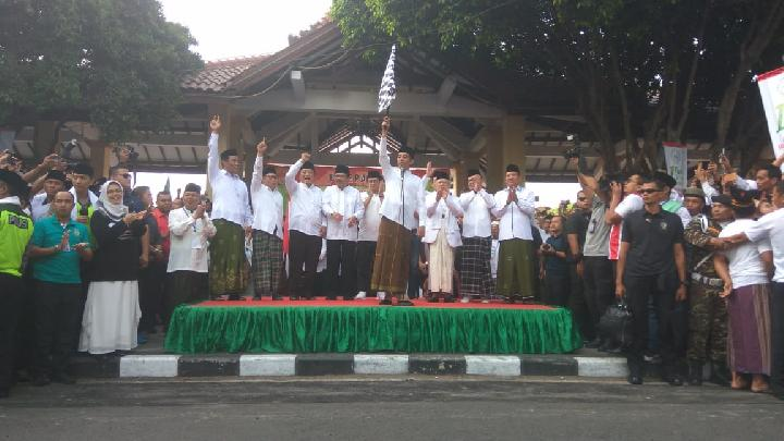 Presiden Jokowi Dan Maruf Amin Lepas Kirab Santri di Sidoarjo