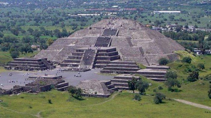 Tempat Rahasia Di Bawah Piramida Bulan