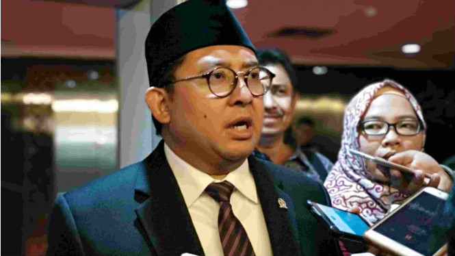 Fadli Zon Tanggapi Yusril Jadi Pengacara Jokowi
