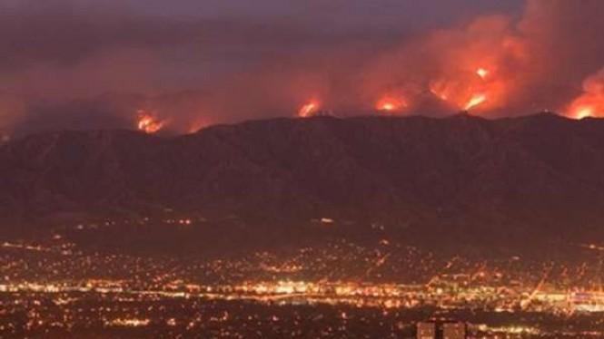 Rumah Para Selebriti Hollywood Terancam Akibat Kebakaran