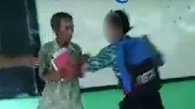 Tersebar Video Murid Yang Terlihat Aniaya Gurunya
