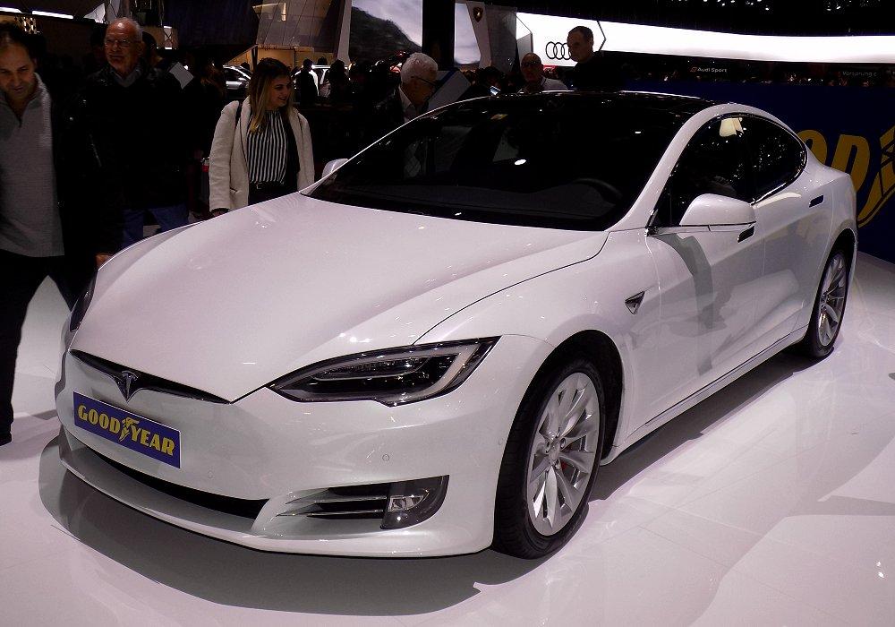 Segini Harga Mobil Tesla di Indonesia
