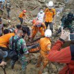 Tim SAR Kembali Berhasil Mengevakuasi Salah Satu Korban Banjir Sumut
