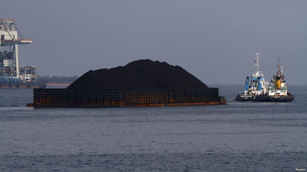 Kemenhub Menghimbau Kapal yang Melintasi Selat Sunda Untuk Waspada