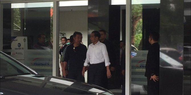 Presiden Jokowi Jenguk Ustadz Arifin Ilham