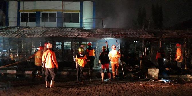 Puluhan Kios Di Dekat Taman Pintar Yogyakarta Ludes Terbakar