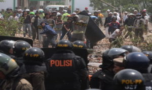 Ini Penyebab Terjadi Bentrok Antara Polisi dengan Warga di Bima