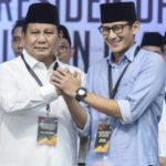 "BPN Pede Prabowo Menang Lantaran Selisih Elektabilitas Makin Tipis Survey paling baru Litbang Kompas mengatakan, beda pada pasangan Joko Widodo-KH Ma'ruf Amin makin tipis dengan lawannya, pasangan Prabowo Subianto-Sandiaga Salahudin Uno. Berdasar pada hasil survey Litbang Kompas, yang dikerjakan 22 Februari sampai 5 Maret 2019 pada responden 2.000 orang, kepopuleran pasangan Jokowi-Ma'ruf sebesar 49,2 %. Sesaat Prabowo-Sandi 37,4 %. Pertarungan makin seru, karena yang masih tetap merahasiakan pilihannya cukuplah tinggi yaitu 13,4 %. Survey Kompas memakai cara pencuplikan sistematis bertingkat di 34 propinsi Indonesia. ""Dengan beberapa catatan yang menemani, survey Kompas jadi bukti jika Jokowi-Ma'ruf belum juga aman serta mungkin untuk ditaklukkan. Perihal ini pun keliatannya dirasa serta didapati oleh Jokowi,"" kata Juru Debat Tubuh Pemenangan Nasional (BPN) Prabowo-Sandi, Saleh P Daulay. Lazimnya, petahana baru dapat dipandang unggul serta menang saat hasil survey ada diatas 60 %. Dia lihat, ada trend suara yang turun dari patahana. Karena pada survey awal mulanya, masih tetap ada diatas 50 %. ""Sesaat yang merahasiakan pilihannya semakin dikit. Itu berarti, mereka yang merahasiakan pilihan condong akan menjatuhkan pilihan pada Prabowo-Sandi,"" klaim Wakil Sekjen DPP PAN itu. Dengan survey ini, dia pun mengkritik beberapa instansi awal mulanya yang melaunching jika Jokowi-Ma'ruf telah unggul jauh dari Prabowo-Sandi. Hasil dari ini, menurut dia dapat disaksikan instansi survey manakah yang kredibel. Lanjut Saleh, pihaknya tidak kaget dengan hasil Litbang Kompas ini, mengingat survey BPN sendiri sebetulnya telah memposisikan pasangan 02 menang. ""Hasil survey internal kami tunjukkan jika Prabowo-Sandi telah menang. Serta itu selalu dinaikkan hari pencoblosan. Masih tetap cukuplah waktu untuk memberikan keyakinan penduduk,"" papar bekas ketua umum Pemuda Muhammadiyah itu."
