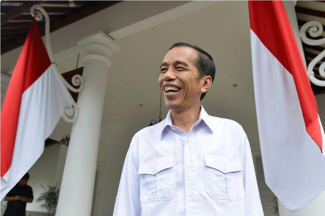 Baju Putih Dinilai Merupakan Identitas Jokowi Sejak Awal Pemerintahan