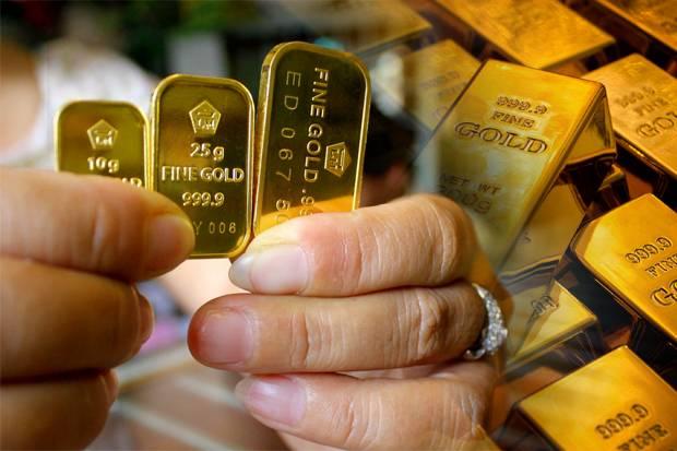 Menjelang Akhir Pekan Harga Emas Antam Menurun