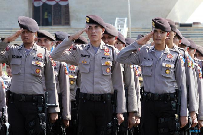 Polisi Dilarang Berfoto dengan Gaya Dua Jari Jelang Pemilu