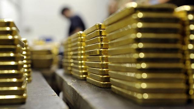 Rumor Bank Sentral AS Menahan Suku Bunga Membuat Emas Naik