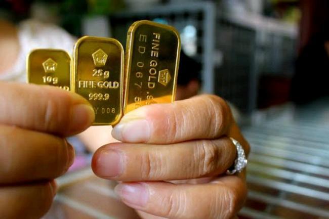 Harga Emas Antam Tidak Berubah di Awal Minggu Ini