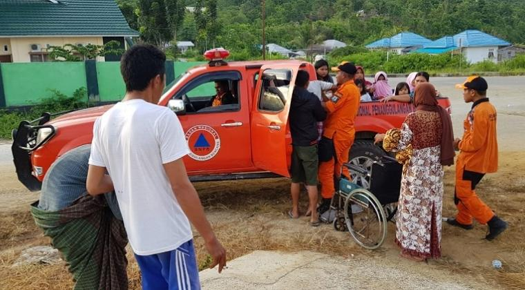 Ribuan Keluarga Mengungsi Lantaran Peringatan Tsunami Gempa Banggai Sulteng